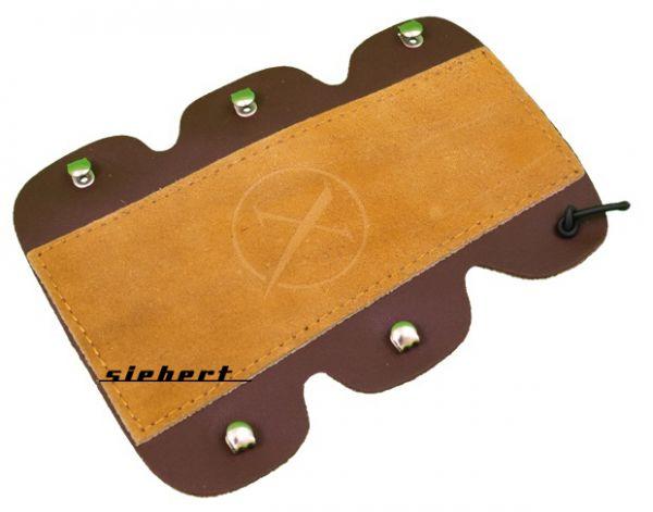 Traditioneller Armschutz aus Spaltleder